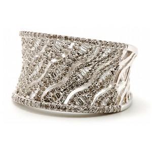 Ladies Saddle Diamond Ring