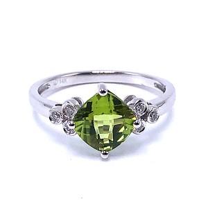 Ladies Peridot & Diamond Ring