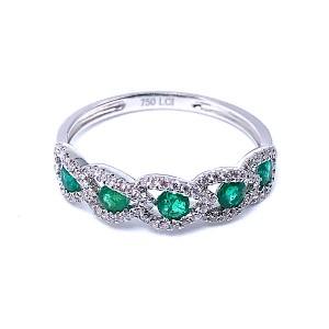 Ladies Emerald & Diamond Ring