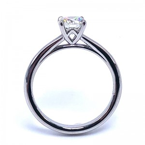 Forevermark Icon Round Diamond Engagement Ring