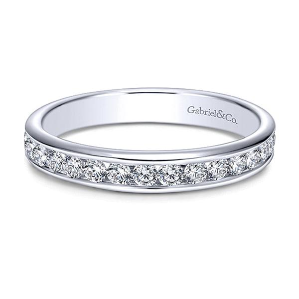 https://www.henrywilsonjewelers.com/upload/product/5b9cff084a0a26e977aeda63_123.jpg