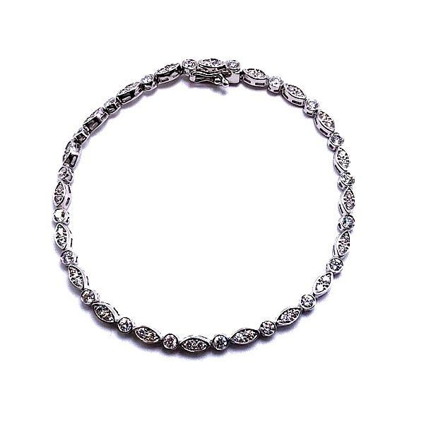https://www.henrywilsonjewelers.com/upload/product/5c784b5f256c932413f0d91f_170-00303.jpg