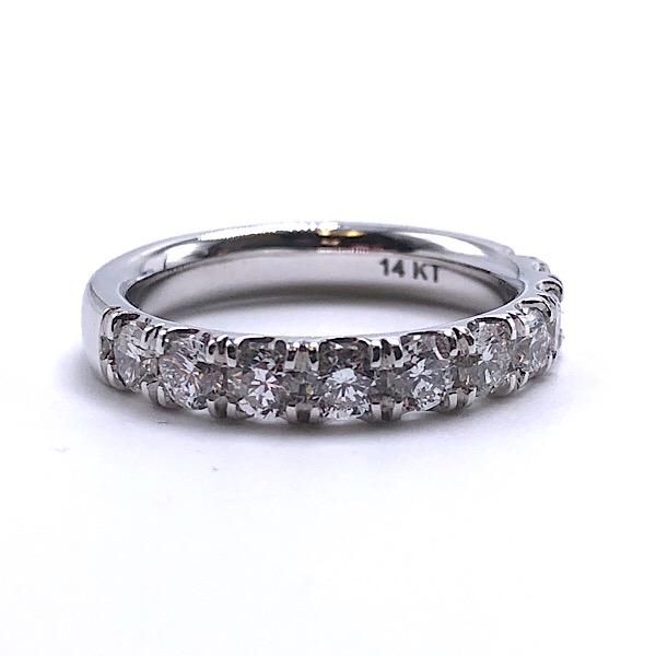 https://www.henrywilsonjewelers.com/upload/product/5c8aa9e9d0b91a5e7a8c14d9_110-01832.jpg