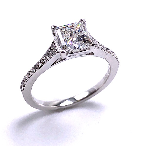 https://www.henrywilsonjewelers.com/upload/product/5cdedd071a37574b89124bfe_100-01775.jpg