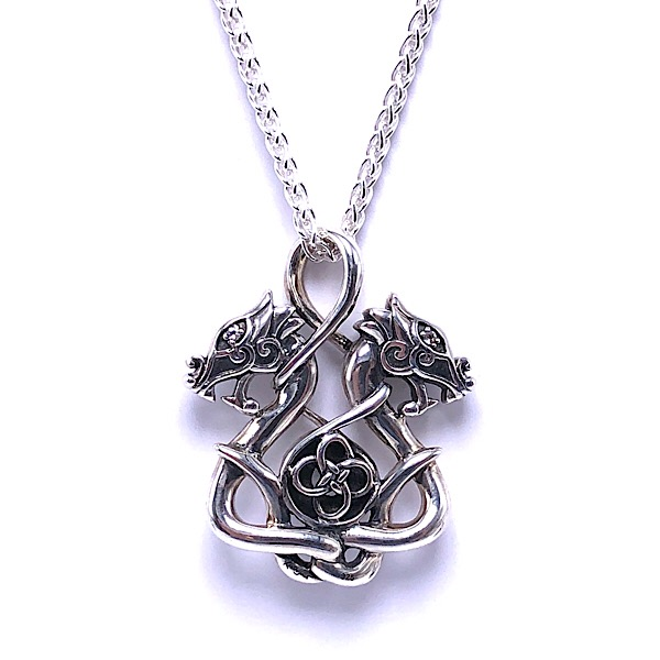https://www.henrywilsonjewelers.com/upload/product/5d28bec732aba058035059a1_640-00656.jpg
