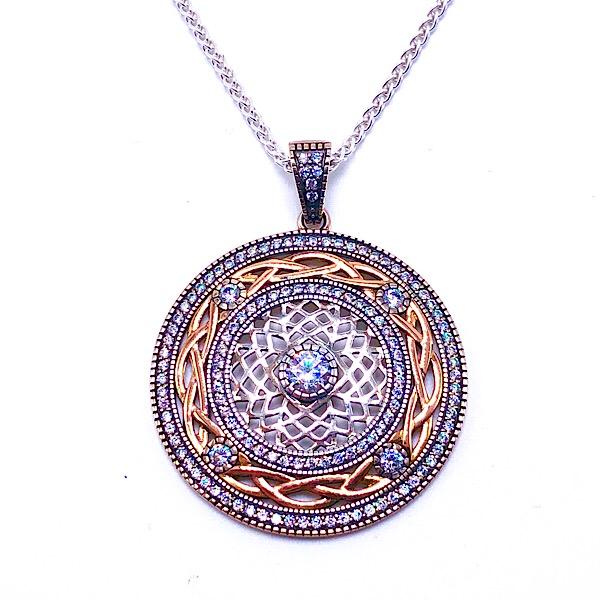 https://www.henrywilsonjewelers.com/upload/product/5d28cc77c0465a52c8abc24f_640-00631.jpg