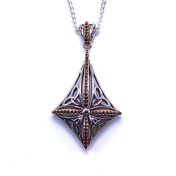 https://www.henrywilsonjewelers.com/upload/product/5d2e08bebdffb7f069ab520d_640-00659.jpg