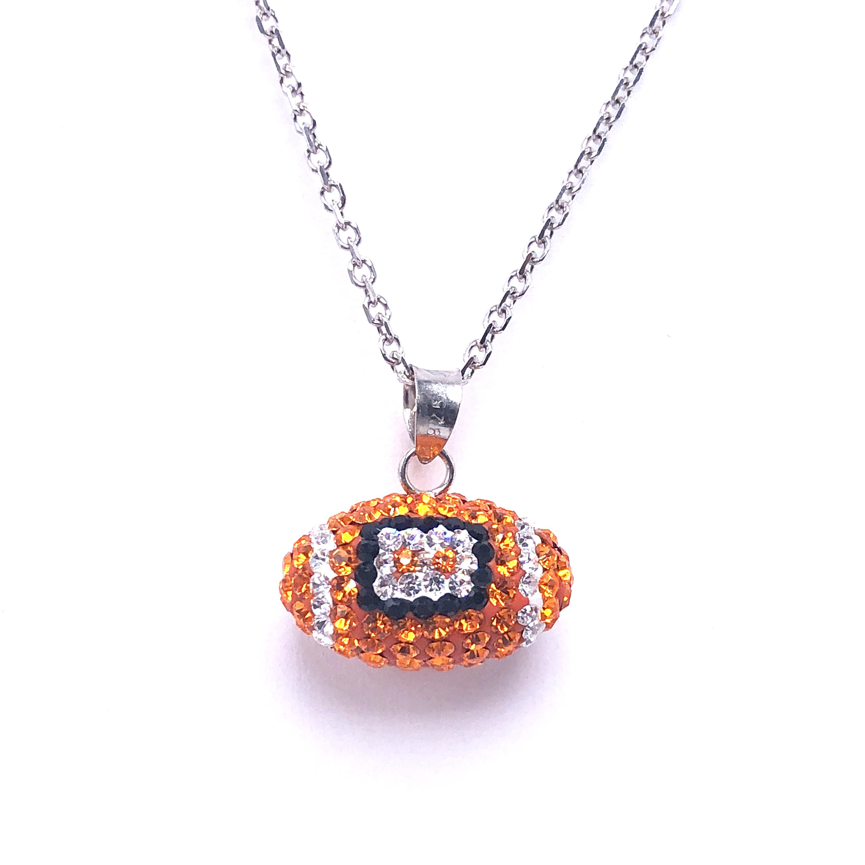 https://www.henrywilsonjewelers.com/upload/product/5d55a120f9921c9f3e27cb58_826-00006.jpg