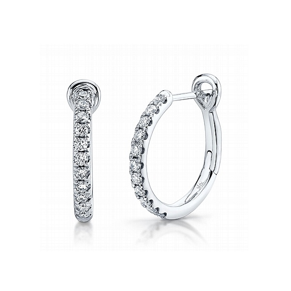 https://www.henrywilsonjewelers.com/upload/product/5ea2f83fe1fdd8ad1b68fb42_150-00974.jpg