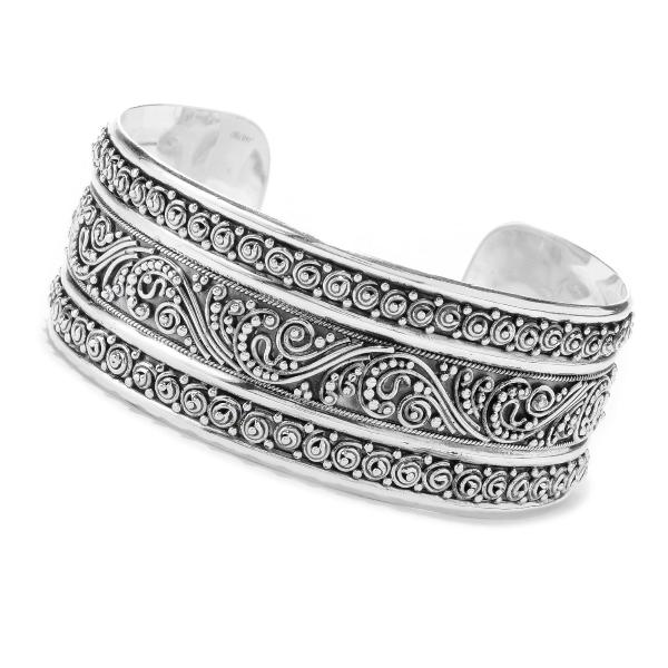 https://www.henrywilsonjewelers.com/upload/product/5ed05bf27c3d86ab30545bf6_610-00943.jpg