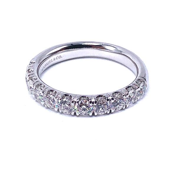 https://www.henrywilsonjewelers.com/upload/product/5f1dce9385bf858f82d28fd2_110-02011.jpg
