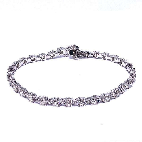 https://www.henrywilsonjewelers.com/upload/product/5f7df69b82496f159e15d9be_170-00344.JPG